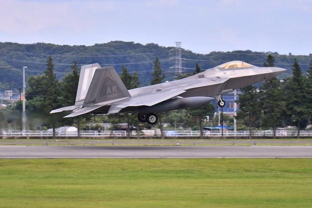 台風避難で横田に一機だけF22ラプター(3) 20180708