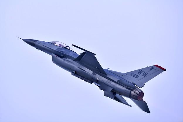 2018年振り返って。。夏に開催された札幌航空ページェント 三沢のF16デモチームの機動飛行 20180812