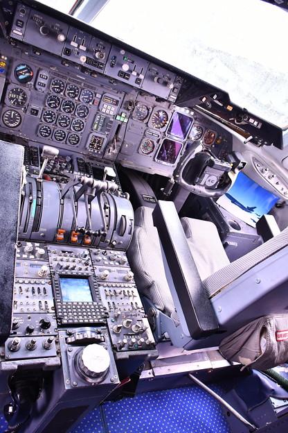 雨だった横田基地FSD KC-10エクステンダーのコックピット 20180916