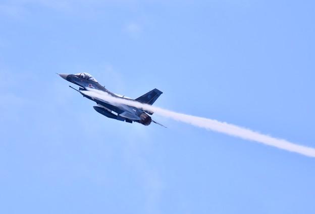 岐阜のF2 機動飛行(3) ベイパー出し