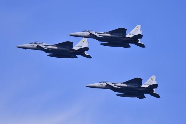 横須賀馬堀海岸から防衛大学校卒業記念飛行。。小松のF15 編隊飛行 20190317
