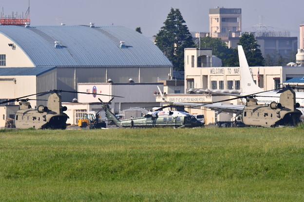 撮って出し。。厚木基地よりトランプ大統領乗せる専用ヘリコプターマリーンワン(1)