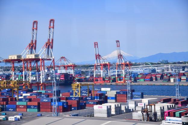 Photos: 撮って出し。。休日の横浜本牧埠頭風景 20190428