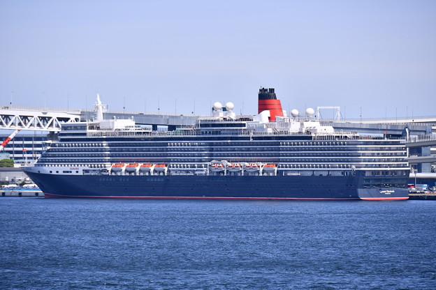 撮って出し 年に数回寄港 豪華大型客船クイーンエリザベス号 本牧埠頭から 20190428