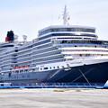 Photos: 撮って出し 年に数回寄港 豪華大型客船クイーンエリザベス号 大黒埠頭から(1) 20190428