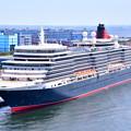 Photos: 撮って出し 年に数回寄港 豪華大型客船クイーンエリザベス号 スカイウォークから(1) 20190428