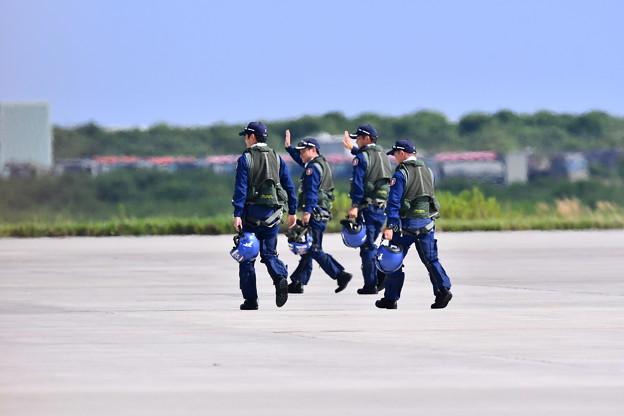 8月の撮って出し。。松島基地航空祭 ここ2回も見れるブルーインパルスのライダー達 20190825