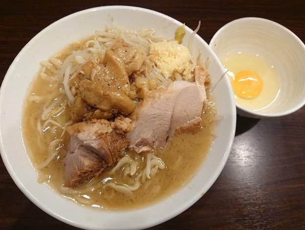180809 ピコピコポン@新宿区~「ラーメン(ニンニク,アブラ)+生卵」