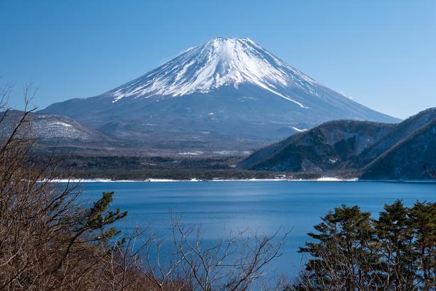 本栖湖と富士山・3