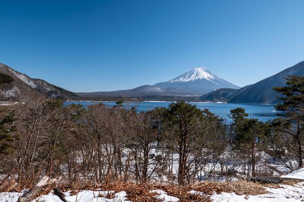 本栖湖と富士山・4