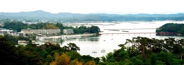 松島湾(2枚の合成)
