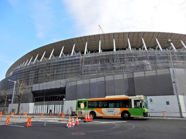 Photos: 建設進む、新国立競技場