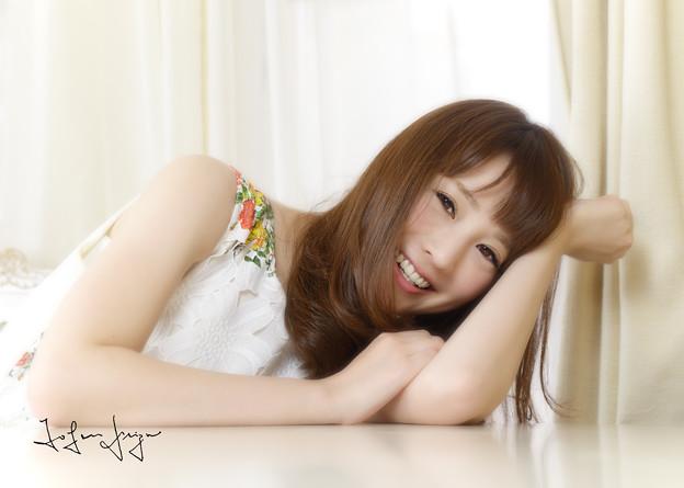藤井真智子テーブル笑顔
