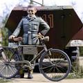 写真: 自転車&ドイツ兵
