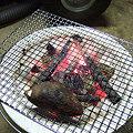 写真: 七輪でジックリ焼き芋