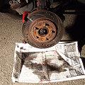 写真: ブレーキローターのクリーニング