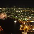 写真: 夜景と花火