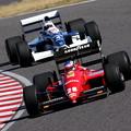 写真: #28 Ferrari F187 #4 ティレル アレジ親子 夢のF1対決