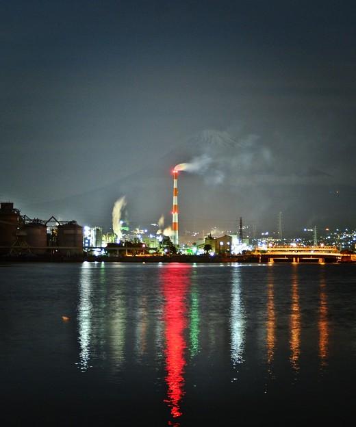 煙突のある風景 ~田子の浦~