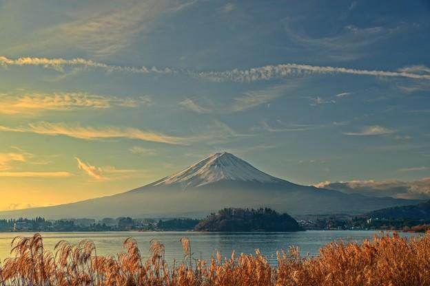 朝日の当たる山・・・Mt.FUJI