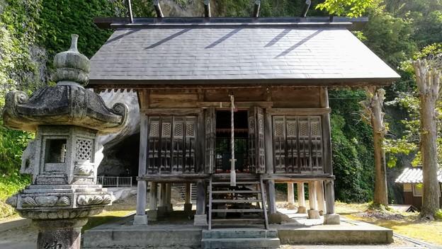 白山社 拝殿