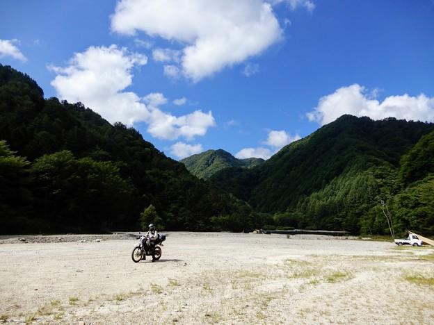 Photos: 河原を快走中