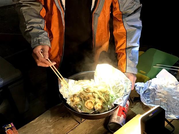 山之口キャンプ場でのキャンプ飯 ホタテ