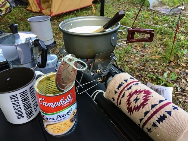 朝食のキャンベルコーンスープ