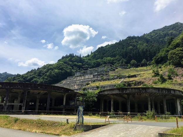 神子畑選鉱場跡のシックナー