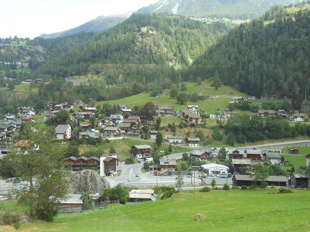 スイス・鉄道の車窓から~スイスらしい景色