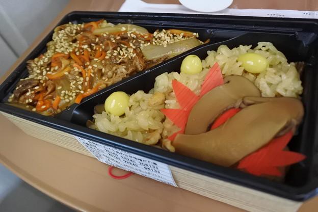新幹線車内でお弁当♪1