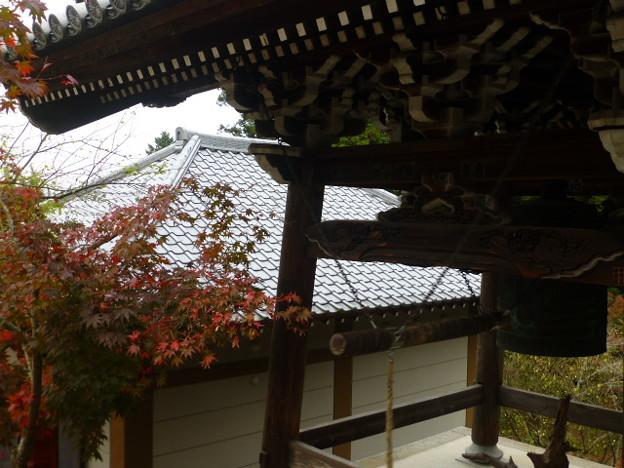 紅葉と鐘楼@大聖院