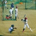 写真: 多くの野球チームが練習する淀川河川敷