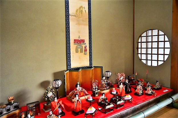 二階の客間に飾られた有職雛