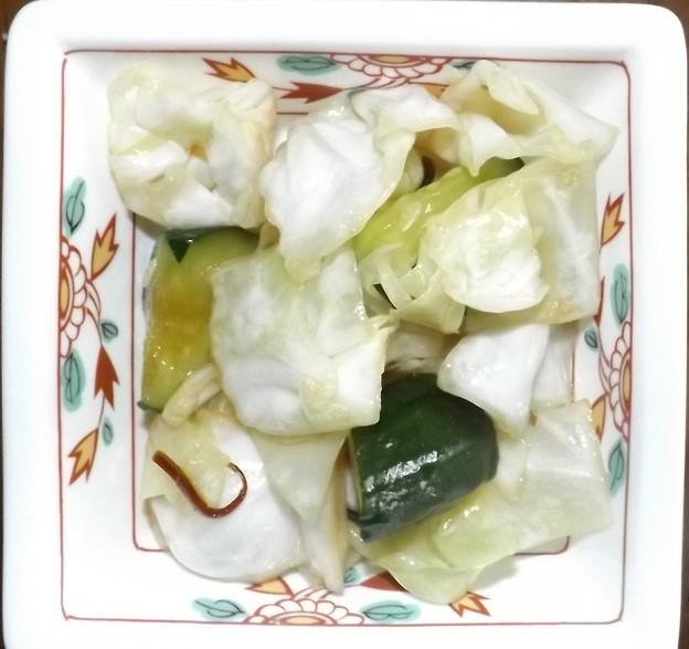 2019/06/21(金)・塩昆布で簡単!ごま油香るきゅうりとキャベツの漬け物