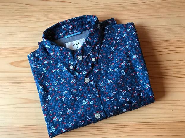 0310_安物のシャツ