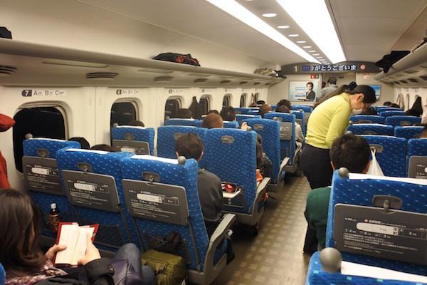 品川から新幹線で大阪へ帰宅