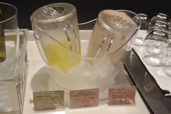 飲み物にシークワーサージュースがあるなんて沖縄ならではでしょうね。