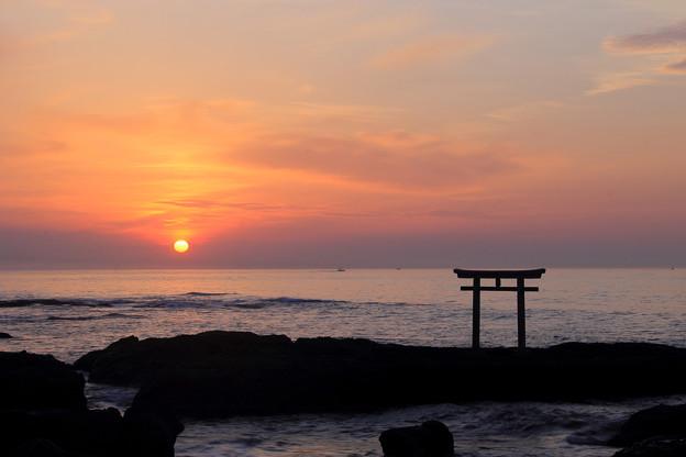 写真: 日出る国 -Land of Rising Sunー
