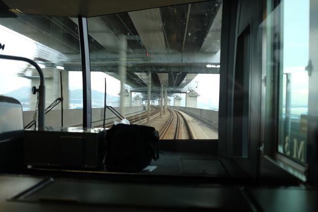 瀬戸大橋を通過中のマリンライナー
