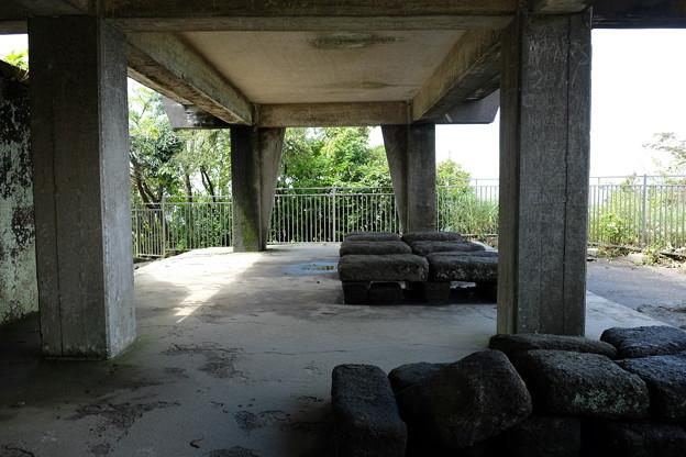 鋸山の休憩所