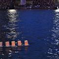 写真: 隅田川とうろう流し