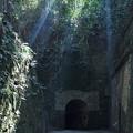 写真: レンガ造りのトンネル