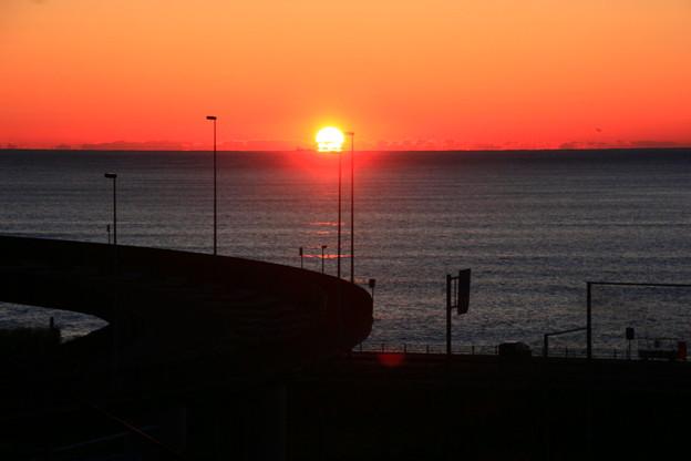 写真: だるま朝日 浜の宮らせん橋