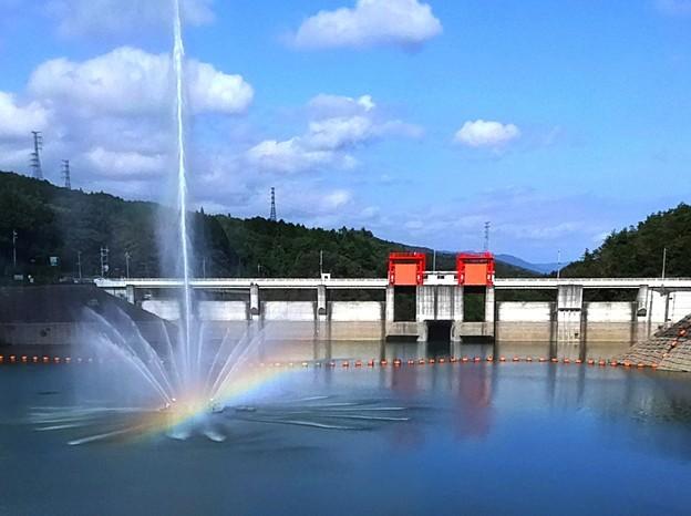 164 十王ダムの噴水