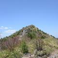 写真: 烏帽子岳(2,066m)