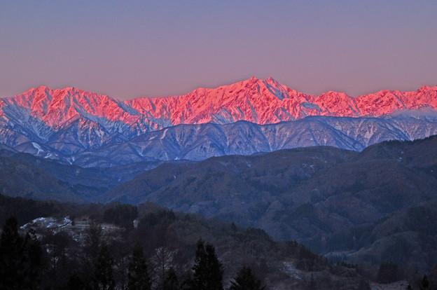 Photos: 薄紅色に輝くアルプス