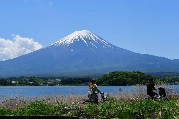 写真: 富士山と・・・