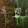 写真: 白い椅子